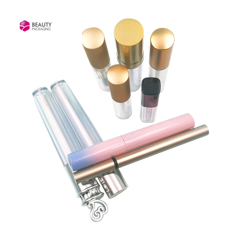 difference of lipbalm and lipgloss